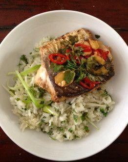 Vis en papilotte op Aziatische wijze met gebakken rijst