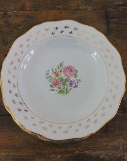 Vijf diepe borden L'Amandinoise met bloemetjes motief