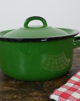 groene emaille pan