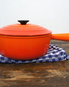 Oranje Le Creuset steelpan zgan met deksel (LC op deksel) maat 22 zij