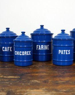 6 blauwe emaille keukenblikken met deksel en witte tekst