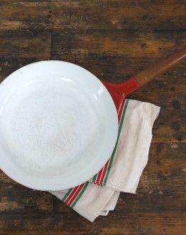 Rode copco koekenpan met houten handvat boven