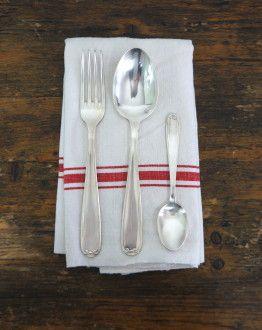 charmante set bestek met 12 vorken lepels dessertlepels en soeplepel in grijze koffer servet